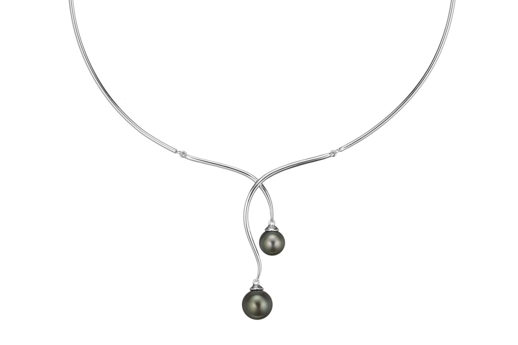 Packshot collier torque en argent 925/1000 et perles de Tahiti