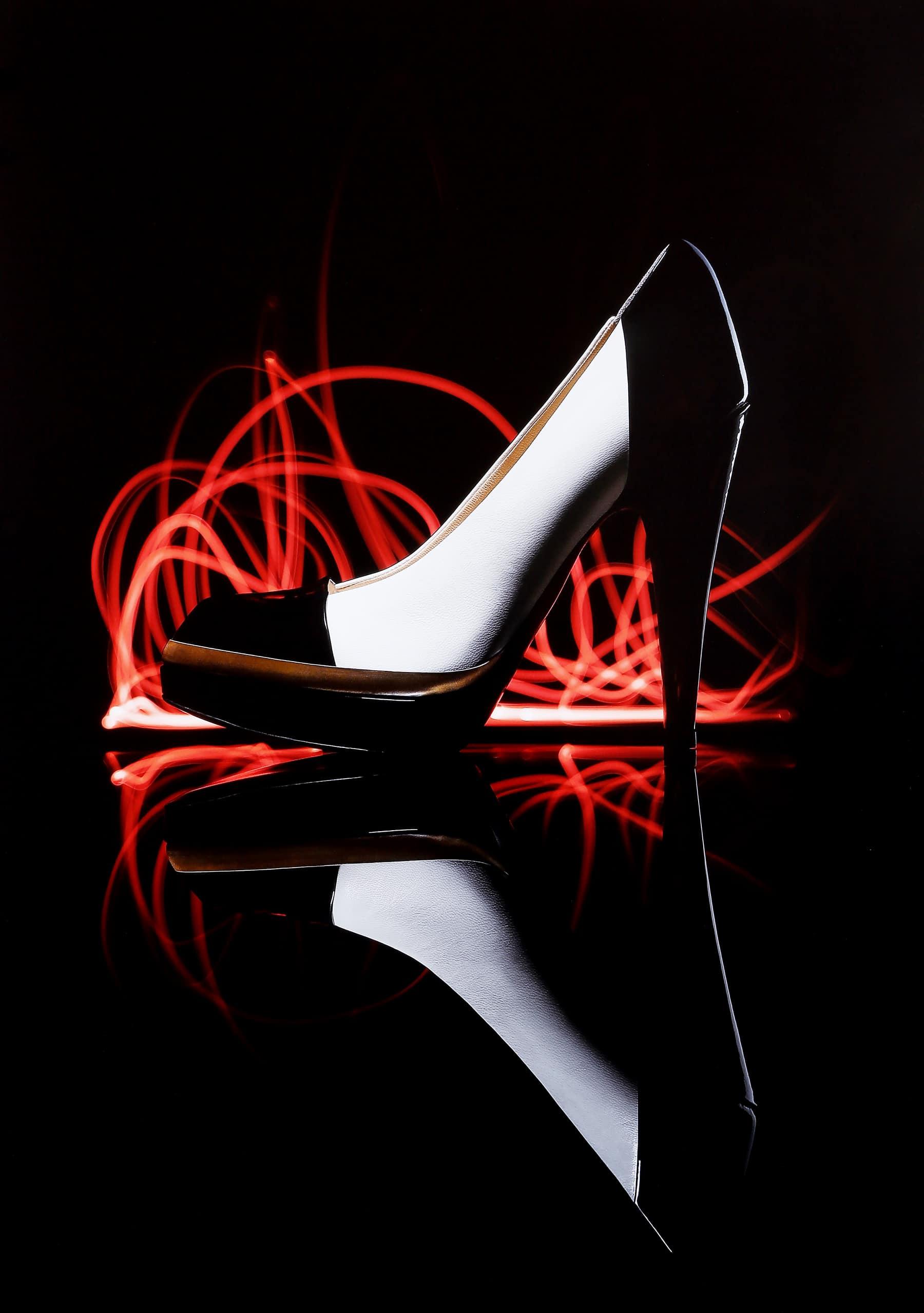 Photographe d'ambiance nature morte - Chaussure Dior- Digital Chic - © Crédit Photo Jean-Philippe Martin - Tous droits réservés
